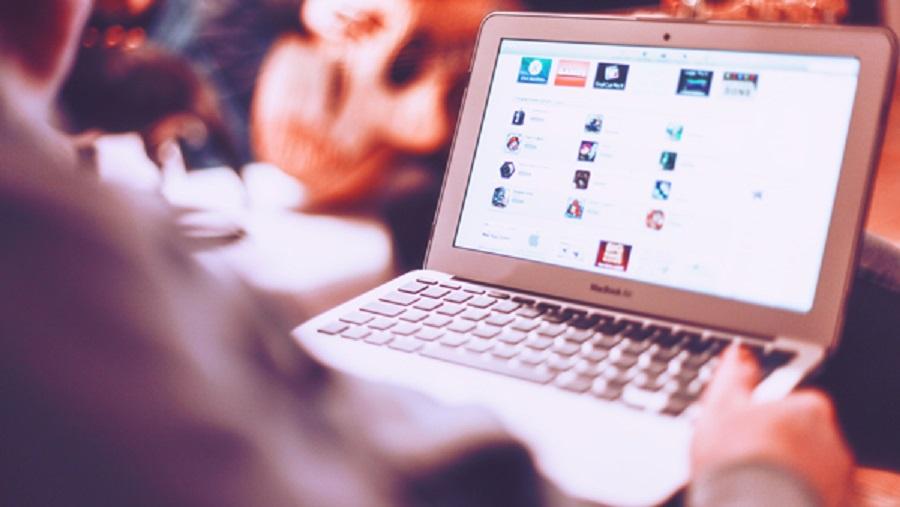 De ce se merita sa iti cumperi un laptop second hand?
