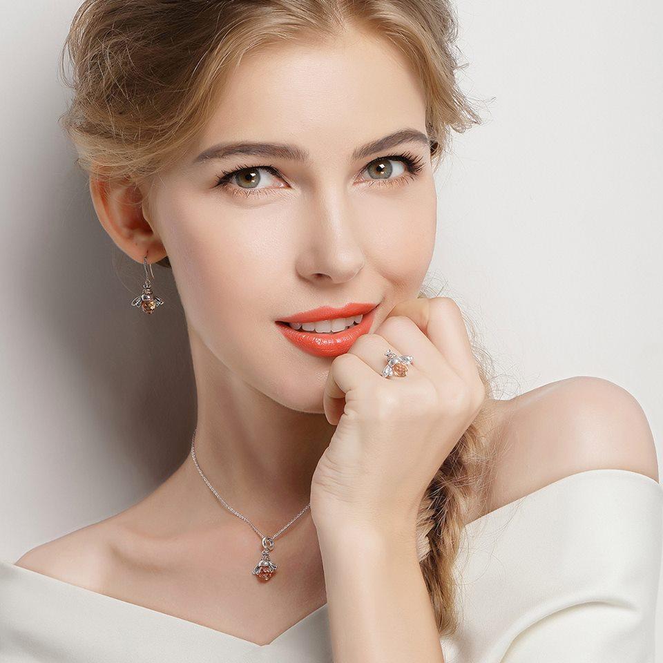 Ce bijuterii din argint prefera femeile?