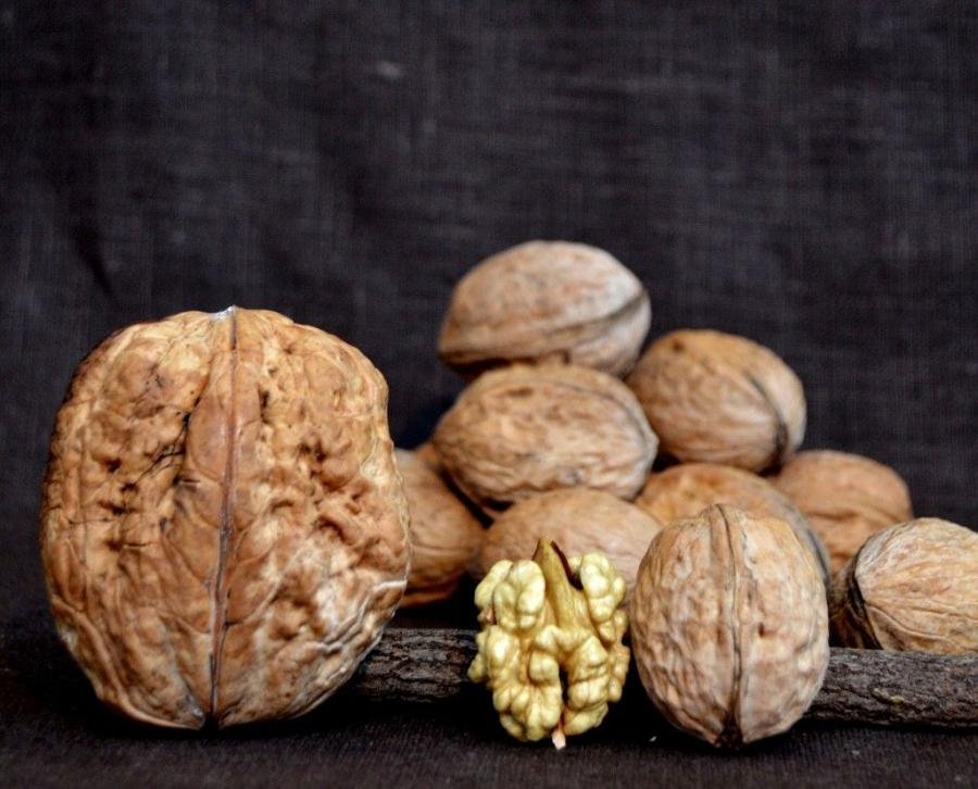 Cum te poți bucura de beneficiile nucilor într-un mod cu totul delicios?
