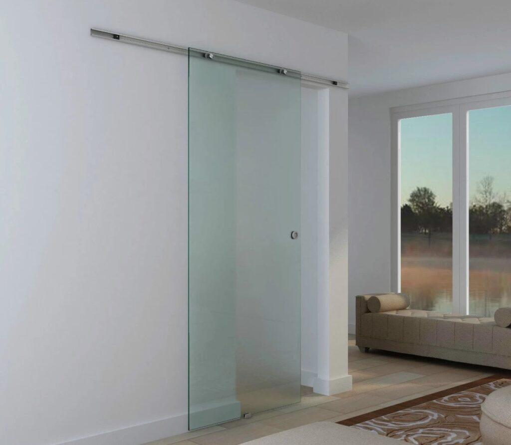Ușa glisantă cu sticlă satinată cu un design curat și modern