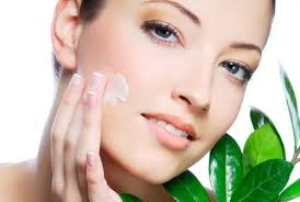 Top Beauty Tips To Avoid Or Reverse The Effects Of Aging On Your Skin