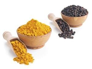 Beneficiile pentru sanatate ale piperului negru si turmenicului