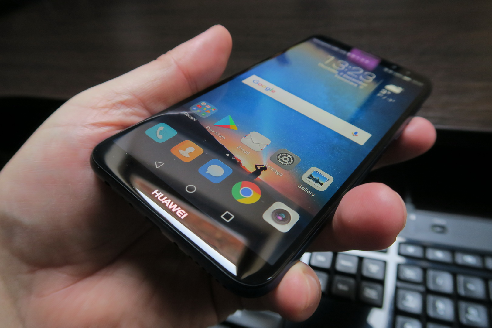 Probleme cu ecranul pentru Huawei Mate 10 Lite