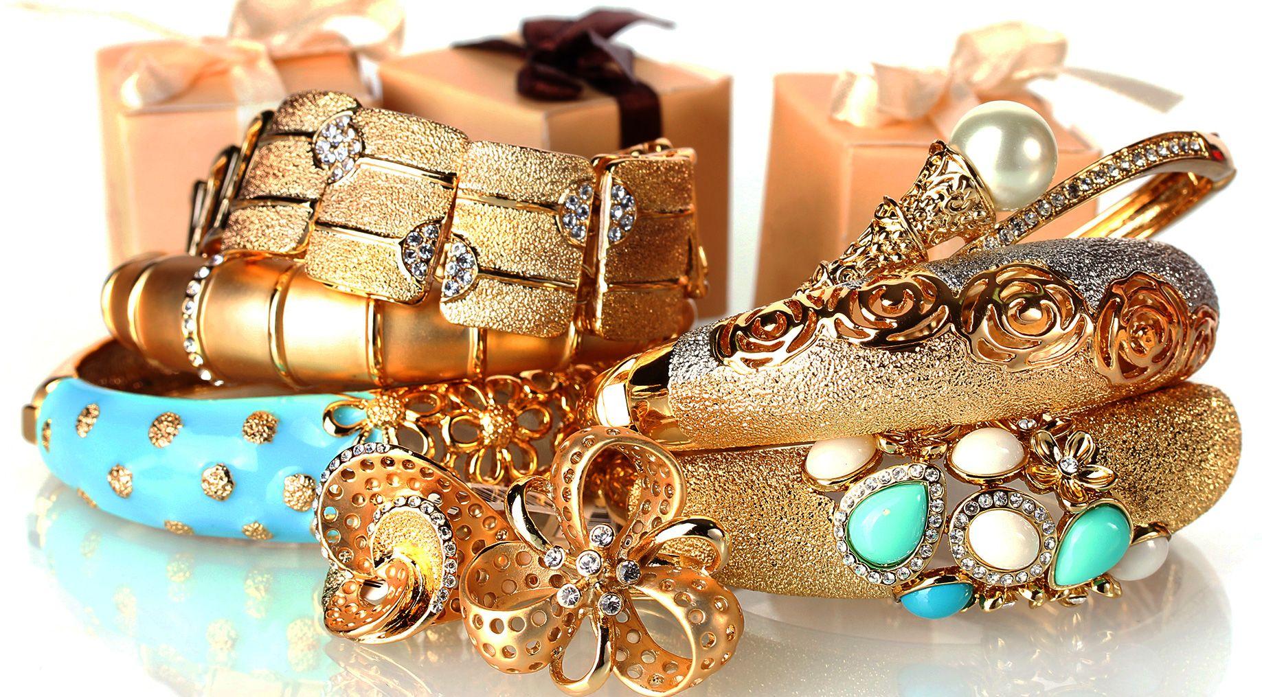 Ce aliaje pot contine bijuteriile din aur?